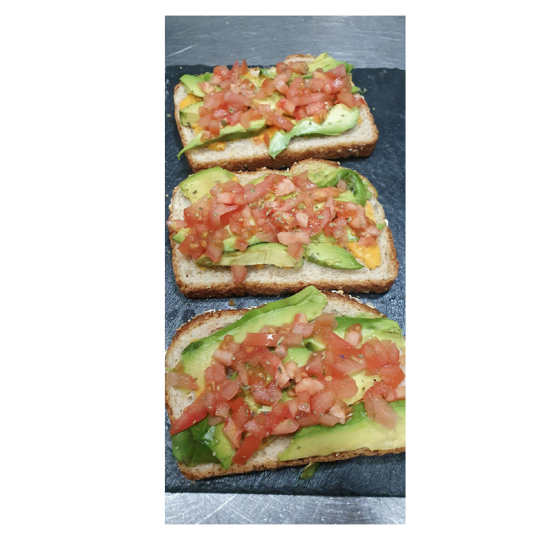 tosta-aguacate-tomate